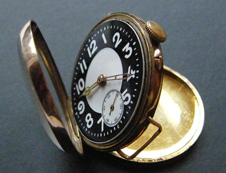 780px-Trench watch 1916 gold